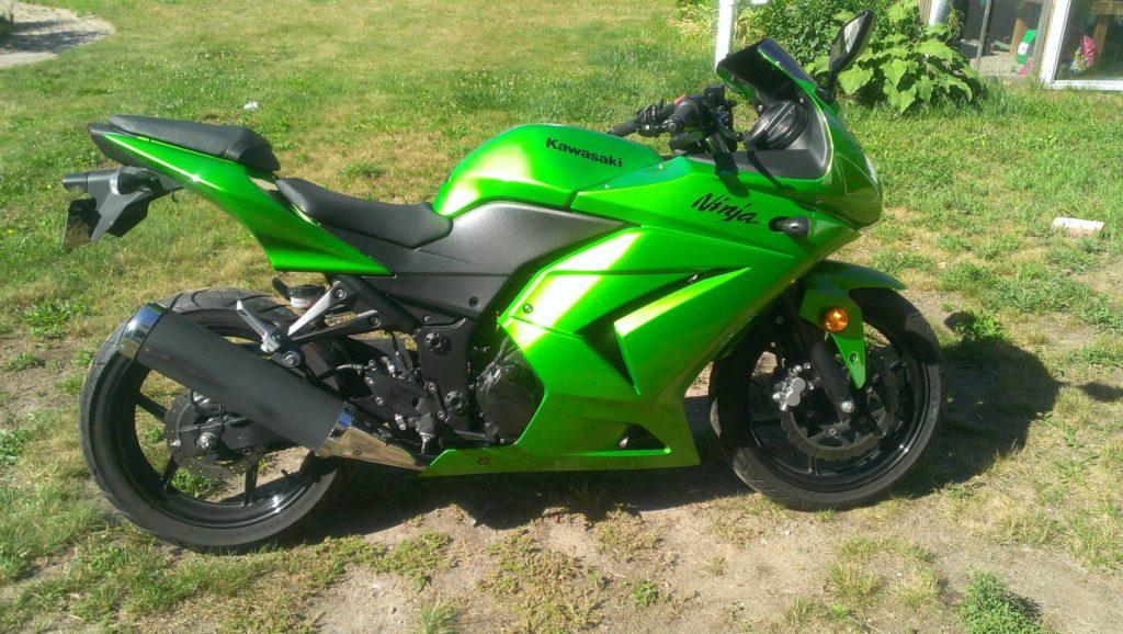 2012 Kawasaki Ninja 250 – HeroRR